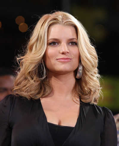 jessica simpson hairstyles 2011. sported by Jessica Simpson